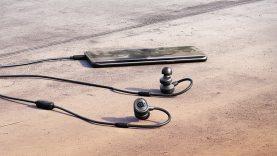 SteelSeries Çift Mikrofonlu Yeni Kulak İçi Mobil Oyun Kulaklığını Tanıttı